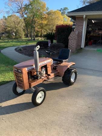 Photo 1978 Wheel Horse Tractor - $800 (Macclenny)