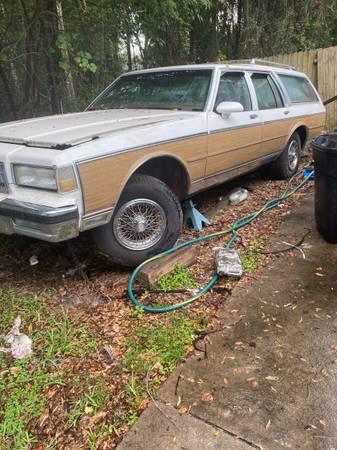 Photo 1989 Chevy caprice estate - $1,600 (Ocala)