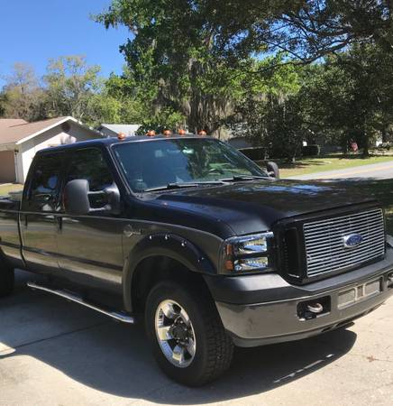 Photo 2004 Ford F-250 Super Duty XLT Crew Cab Turbo Diesel 6L V8 Harley Davidson Editi - $14000 (Homosassa)