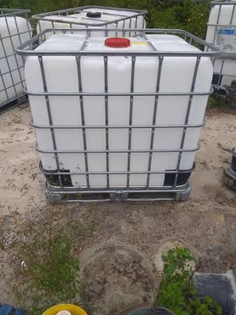 Photo 275 gallon - $45 (LAKE city fla)