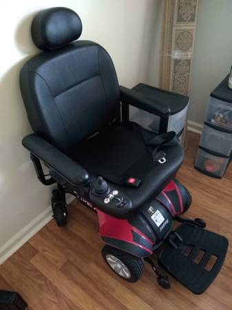 Photo Jazzy Select Elite Power Wheel Chair - $750 (Jacksonville)
