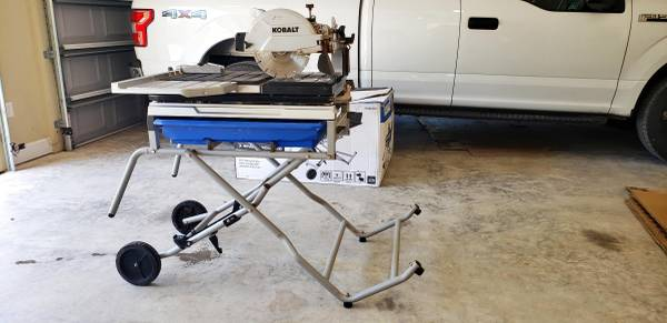 Photo Kobalt 10-in 15-Amp Wet Sliding Table Tile Saw with Stand - $500 (Lake City - Fort White)