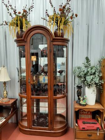 Photo Large Bow Front Wood  Glass Display Case - $350 (Lake CityWellborn)