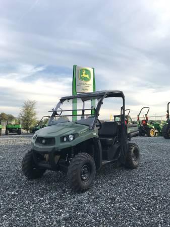 Photo NEW John Deere XUV590E Gator Utility Vehicle - $11,599 (Lake City)