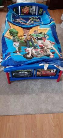 Photo Pixar Cars 3 Bed - $125 (Live Oak)