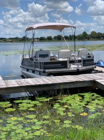 Photo 18 Pontoon Boat  Trailer - $9,995 (Cypress Gardens)