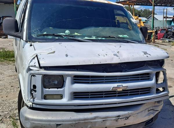 Photo 2002 Chevy express 2500parting out (Auburndale)