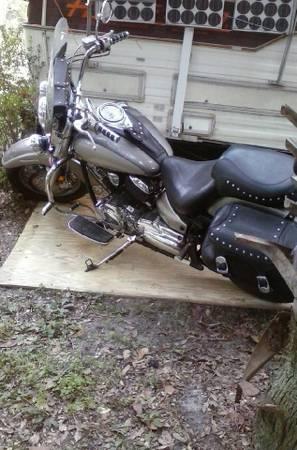 Photo 2002 Yamaha V-Star 1100 - $2,500 (Ocala)