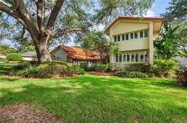 Photo ABSOLUTELY GORGEOUS  CUSTOM BUILT POOL HOME (LAKELAND, FL)