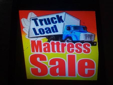 Photo Brand new mattress and box spring on sale (lakeland)