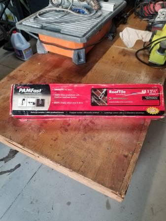 Photo FastenMaster Autofeed Screw System 8 X 2 12 Roof Tile 1000 Screws NEW - $50 (Lakeland)