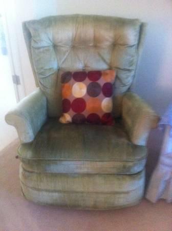 Photo Free La-Z-Boy Style Rocker Perfect Pet Chair (Haines City)