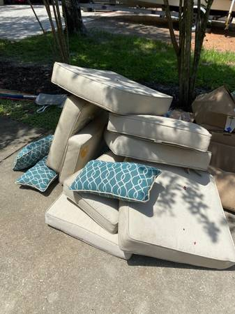 Photo Free outdoor furniture cushions, rug (Lakeland)