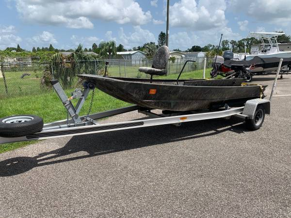 Photo G3 Duck Boat With 23HP Mud Buddy Long Tail Motor  Aluminum Trailer - $8,795 (Lakeland)