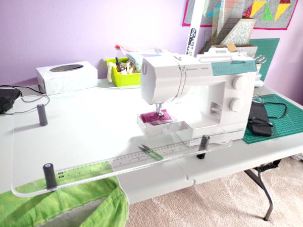 Photo Husqvarna Viking emerald 116 sewing machine - $350 (Lakeland)