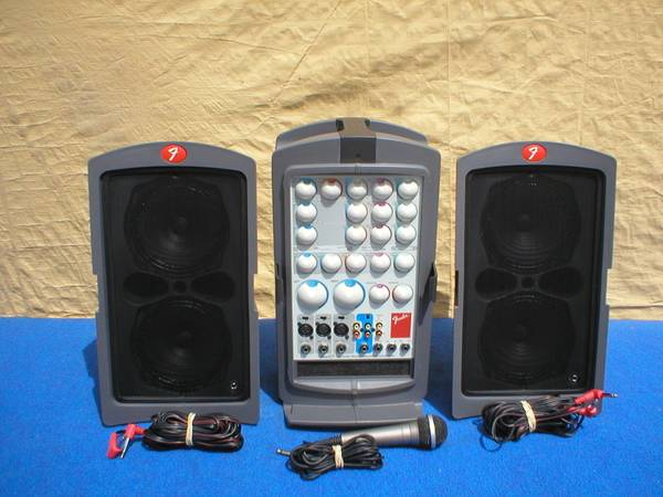 Photo LNEW FENDER PASSPORT P-150 PORTABLE PA. AMP MUSIC SOUND SYSTEM - $300 (AUBURNDALE)