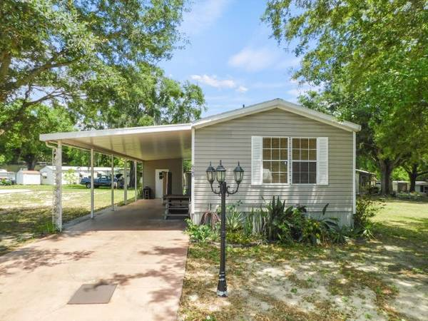 Photo Manufactured Home 2004 Fleetwood, 2 Beds, 2 Baths in Fish Haven (Auburndale)