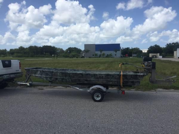 Photo Mud Boat Surface Drive - $3,500