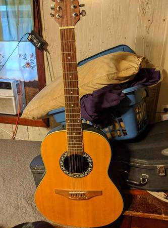 Photo Ovation Applause 12 String AE 35 - $100