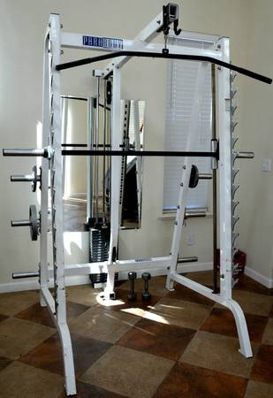 Photo PRO SERIES Parabody Smith machine 200 weight stack. - $1200 (w.kathleen)