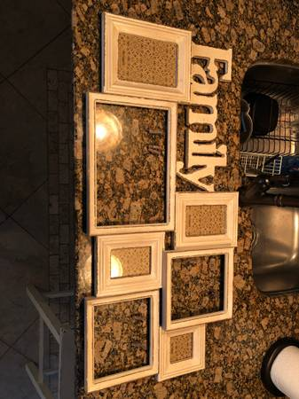 Photo Pier one large frame - $60