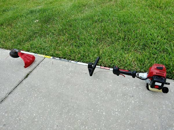 Photo REDMAX GZ25N , BCZ2450T GAS STRAIGHT SHAFT LINE TRIMMER WEED EATER - $190 (Lakeland)