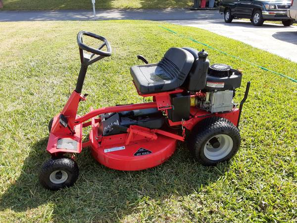 Photo SNAPPER Riding Mower - $850 (Lakeland)