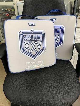 Photo Super Bowl 25 seat cushions - $35 (Haines City)
