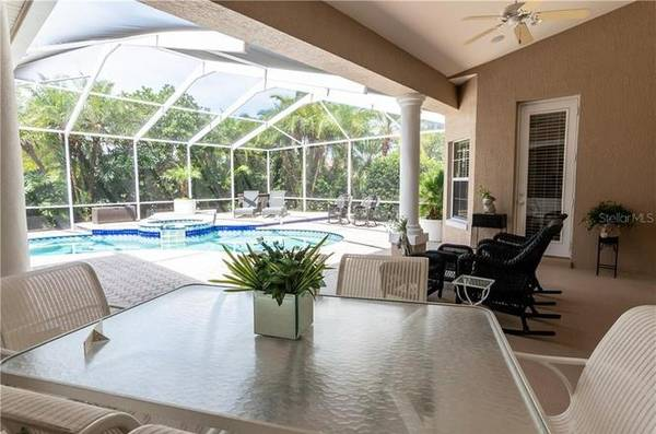 Photo THIS IS A MUST SEE CUSTOM BUILT WELL KEPT HOME. (WINTER HAVEN, FL)