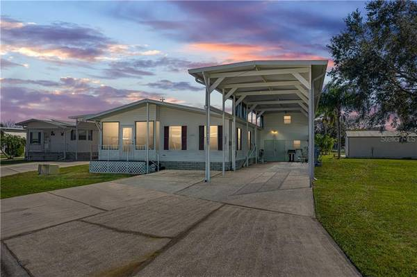 Photo THIS IS a CLASS A motor home COME AND SEE (POLK CITY ,FL)