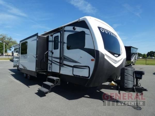 Photo Travel Trailer 2017 Keystone RV Outback 332FK - $34,995