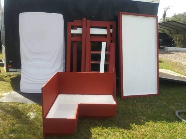 Photo Twin size loft bed - $250 (Frostproof FL)