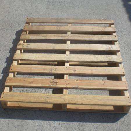 Photo USED PALLETS  SKIDS FOR SALE $6 PER - $6 (LAKELAND - CAN DELIVER FOR EXTRA)