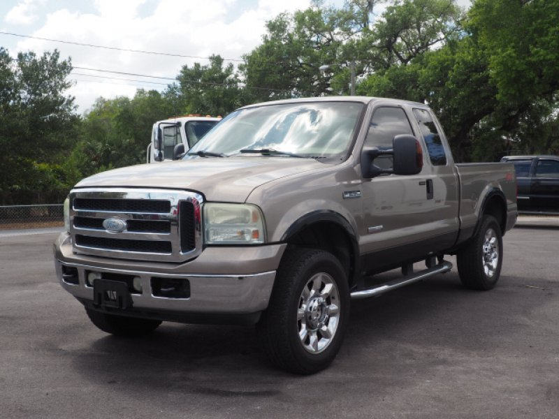 Photo Used 2006 Ford F250 Lariat for sale