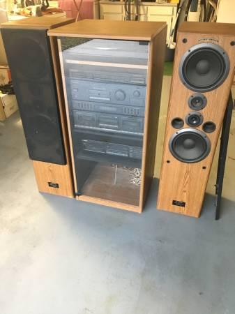 Photo Vintage pioneer stereo system with pioneer speakers - $240 (North Lakeland)
