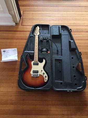 Photo 1981 USA Peavey T-15 with Amp in Case - $432 (Columbia)