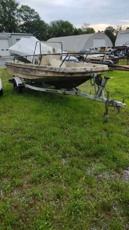 Photo 1990 glass master 15ft center console boat and trailer - $1,200 (manheim)
