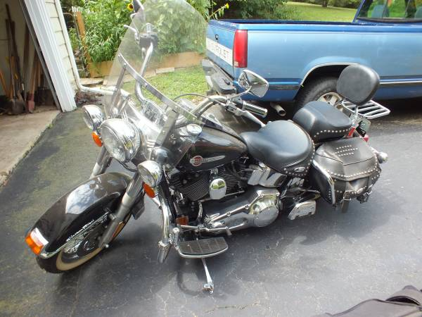 Photo 2002 Heritage Softail $6800 OBO - $6,800 (Lancaster)