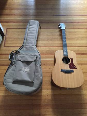 Photo 2002 USA Taylor Big Baby with case - $461 (Columbia)
