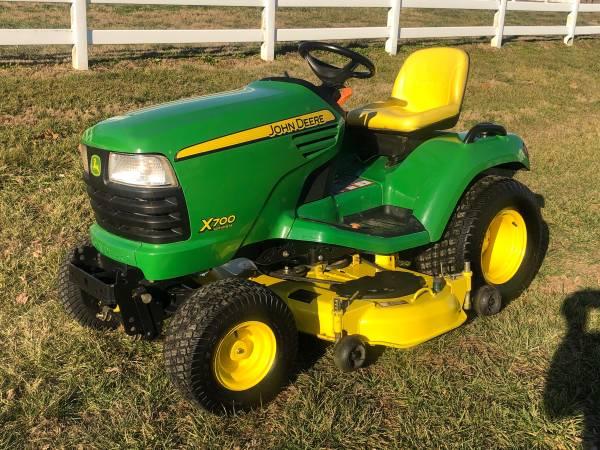 Photo 2010 John Deere X700 Lawn Mower Garden Tractor - $5700 (Forest Hill, MD)