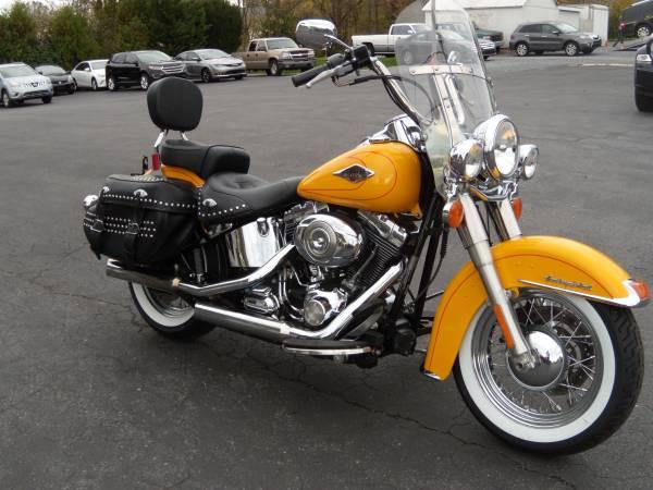 Photo 2011 Harley-Davidson Heritage Softail Classic FLSTC WIDE WHITES 16K - $9,995 (BROWNSTOWN PA)