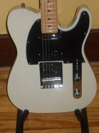 Photo 2019 Fender Deluxe Nashville Telecaster - $650 (Lebanon, PA)