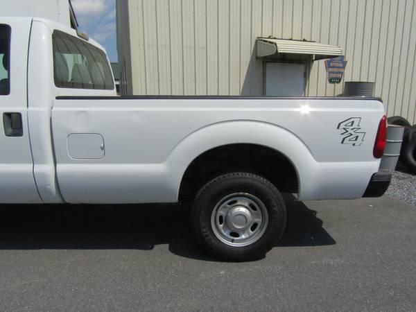 Photo 99-16 Ford Super Duty F250 F350 839 White Bed No Rust - $2,800 (Ephrata)