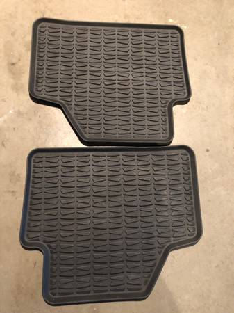 Photo BMW X one rubber floor mats front and rear - $100 (Myerstown)