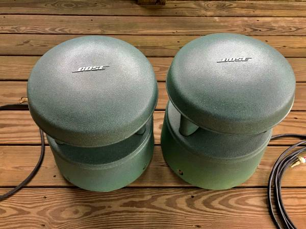 Photo BOSE FreeSpace 360P - Big Outdoor Landscape Speakers (matching pair) - $180 (Oxford)