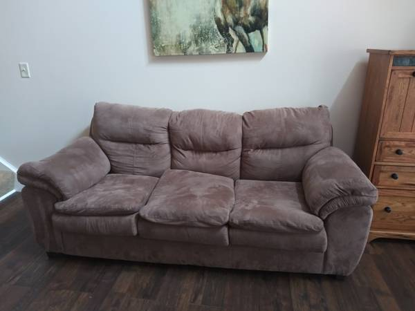 Photo Brown Microfiber Sofa  Great Condition - $250 (Ephrata)