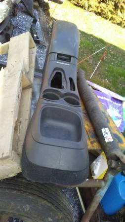 Photo Console from 1997 S10 Blazer (automatic on floor) - $40 (new prov idence, PA)