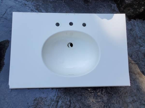 Photo Corian Bath Vanity Top (Ephrata)
