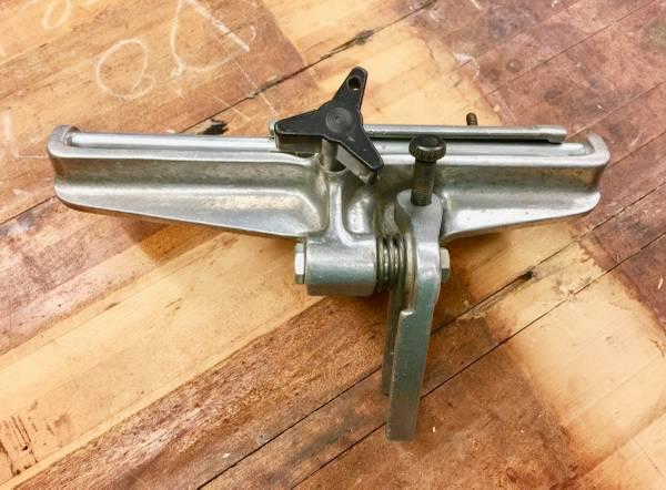 Photo Craftsman 9012 Bench Grinder Tool Rest - $45 (lancaster)
