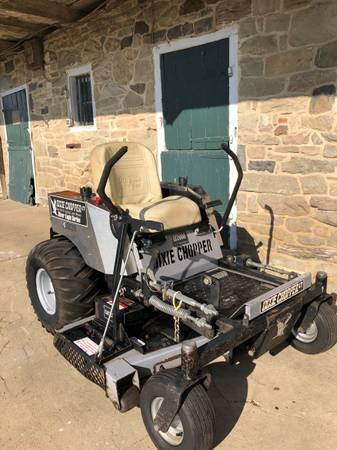 Photo Dixie Chopper LT2000 zero turn lawn mower - $1,699 (millersville)